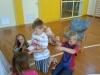 Otroci se spoznavajo s svetom lutk