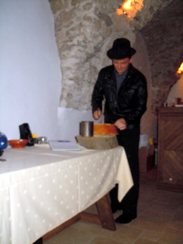 Planina Castle – Guzaj\'s nail-driving contest (5)