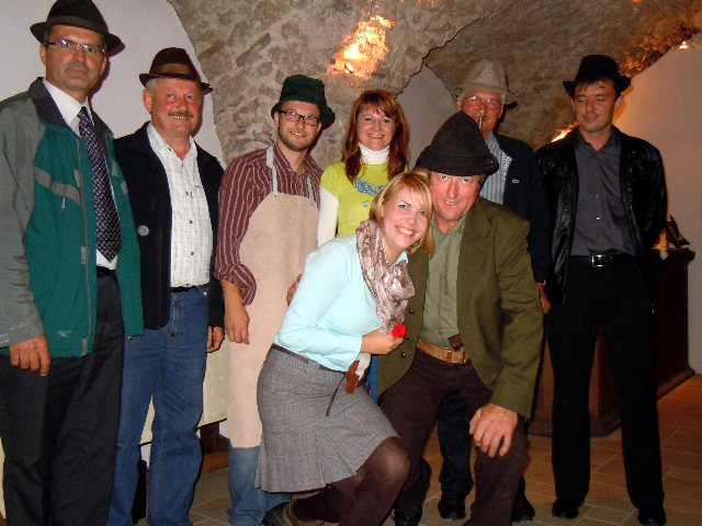 Planina Castle – nail-driving contestants with Guzaj and Barbka