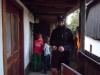 Otroci se uprejo žandarju, da bi rešili Guzaja