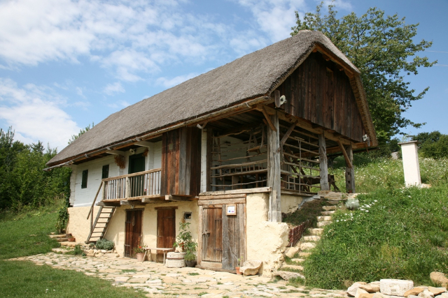 A restored Kozjansko homestead in Ravno
