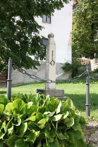 The pillory or insulting pillar – a symbol of market town life in Planina