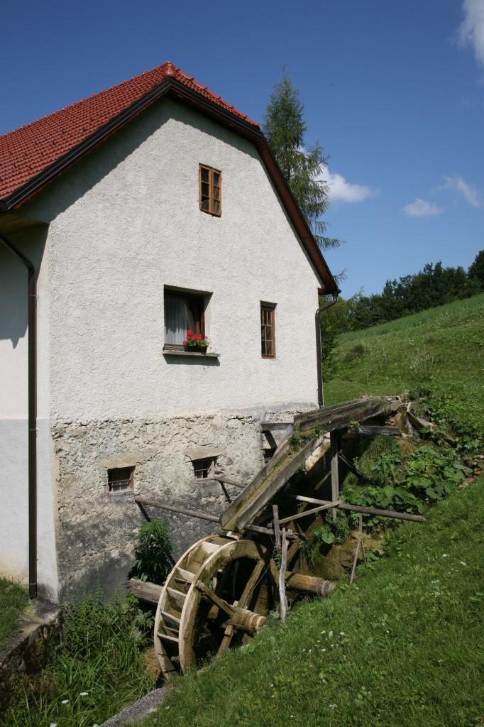 Eden izmed treh ohranjenih mlinov v dolini Bistrici - Lapršekov mlin (pri Zupanovih)