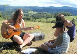 S kitaro v naravi